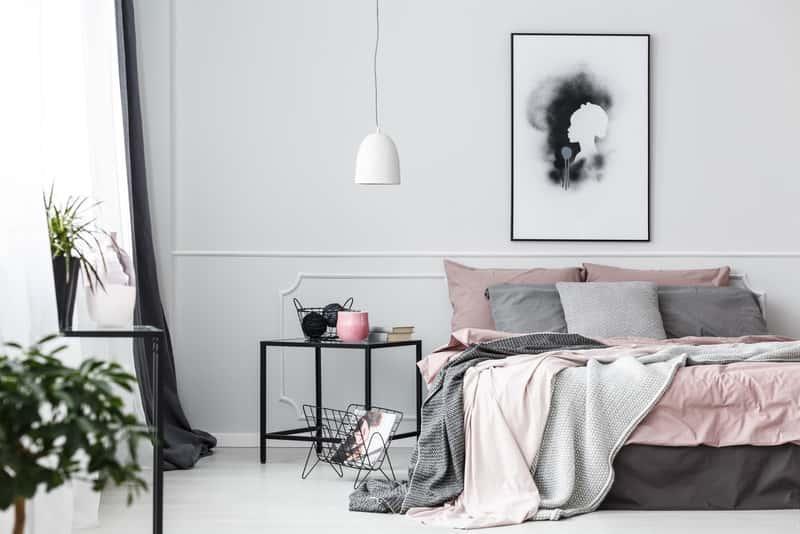 Lampa wisząca, a także różne lampy do sypialni oraz jakie lampy wybrać, rodzaje ceny i wielkości krok po kroku