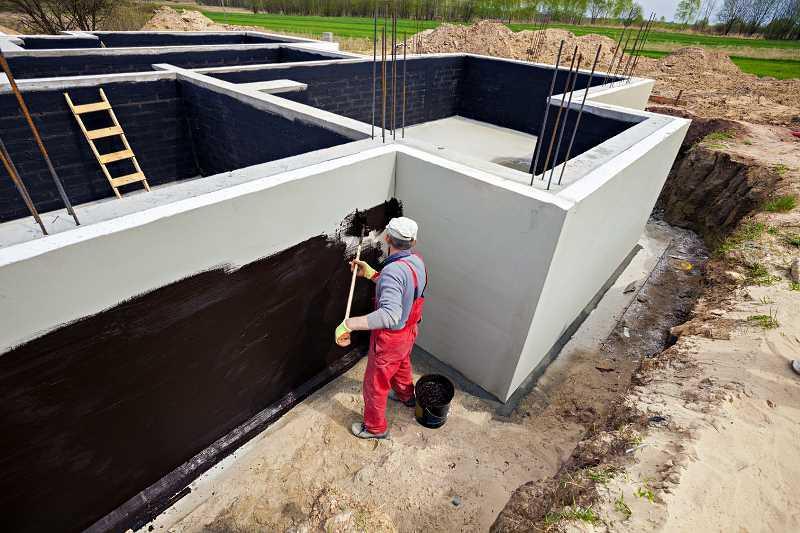 Izolacja fundamentów podczas budowy domu jednorodzinnego, a także izolacja fundamentów pozioma i pionowa i informacje