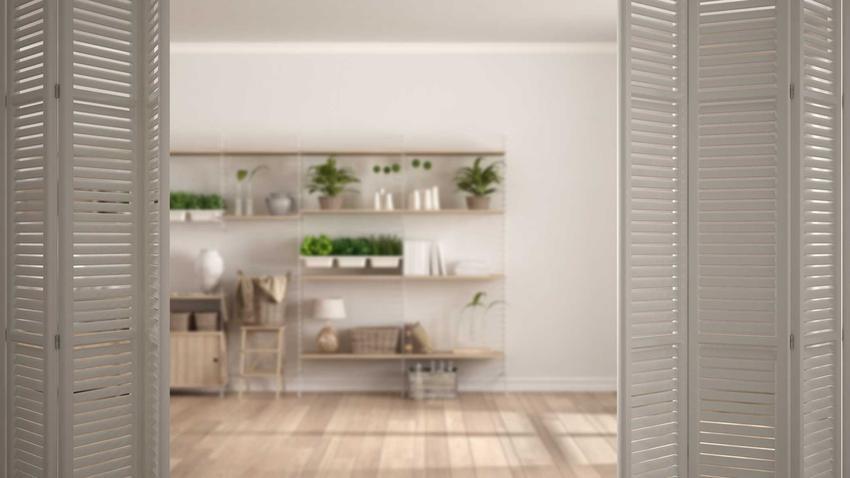 Drzwi harmonijkowe drewniane można podzielić na kilka rodzajów. Ich niezwykłą zaletą jest to, że nie zajmują za wiele miejsca, jednak ceny mogą być wygórowane.