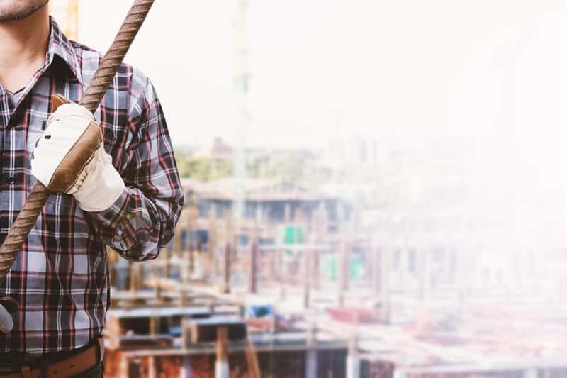 Pracownik na budowie, a także Ukraińcy na polskim rynku budowlanym i ich rola w strukturze zatrudnienia w tym sektorze