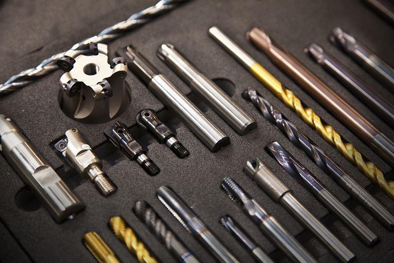 Wiertło widiowe ma szerokie zastosowanie. Ceny wiertła nie są szczególnie wysokie, dlatego można używać go do wielu materiałów.