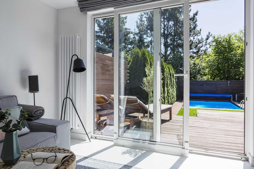 Okna balkonowe i tarasowe a także drzwi mogą sprawić, że pokój będzie bardziej otwarty na ogród i na zewnątrz. Warto wybrać któregoś z polecanych i najbardziej uznanych producentów.