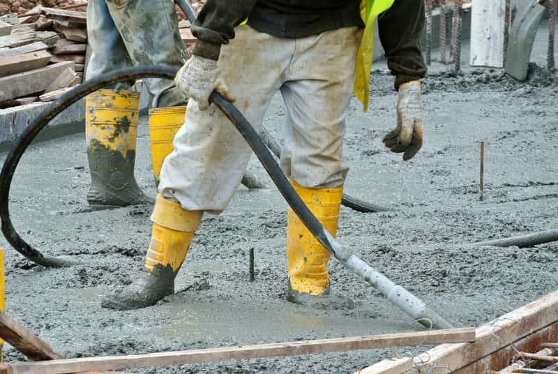 Wylewanie betonu na budowie, a także najlepszy wirator do betonu, rodzaje, modele i producenci najlepszych wibratorów budowlanych