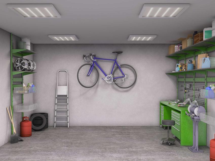 Garaż z płyt betonowych jest łatwiejszy w wykonaniu. Budowa garażu z płyt betonowych jest szybka i stosunkowo tania.
