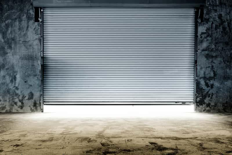 Garaż z płyt betonowych to dobre i szybkie rozwiązanie. Garaż z płyt można szybko wybudować, nie wymaga przygotowania fundamentów.