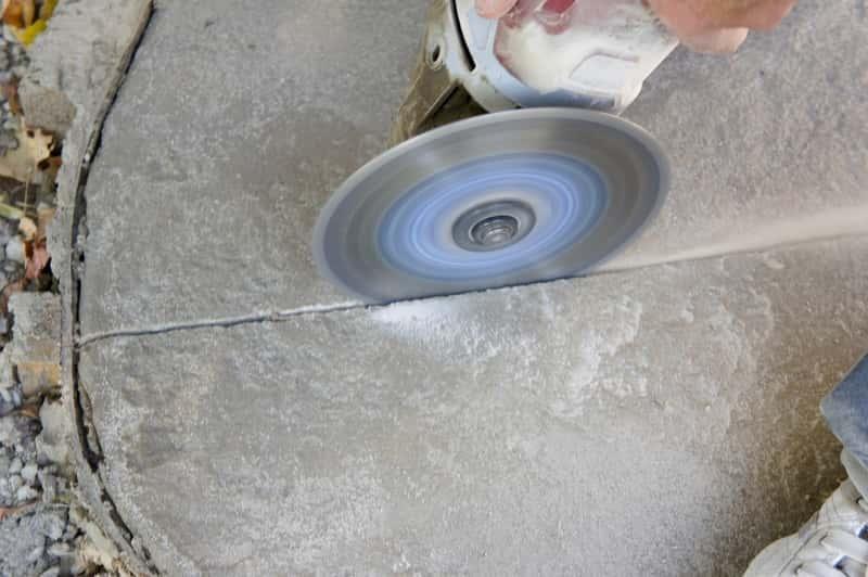 Szlifierka do betonu o szerokiej tarczy, a także rodzaje szlifierek, ceny, opinie, popularni poroducenci oraz wady i zalety