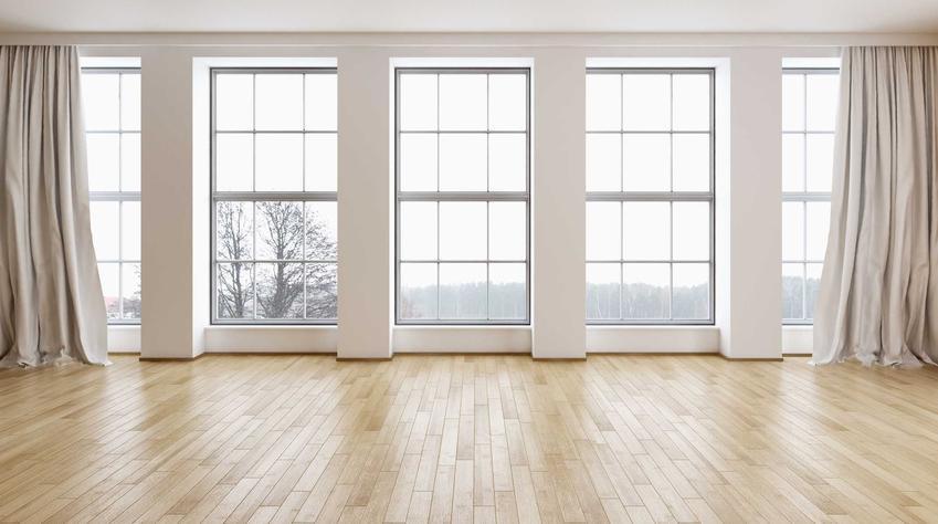 Okna VEKA są bardzo popularne. Ładnie się prezentują, są duże i mniejsze. Profile okienne mogą być proste lub lekko zaokrąglone.