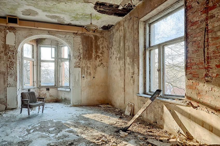 Remont starego domu - koszty, formalności, prace krok po kroku