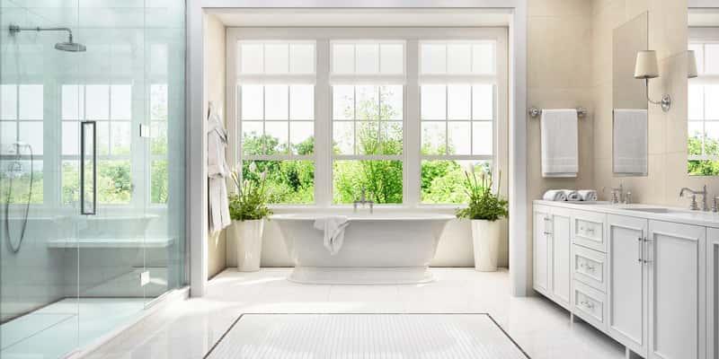 Łazienka w bieli z modnymi dodatkami, a także TOP 10 pomysłów na łazienki i najciekawsze projekty oraz zdjecia