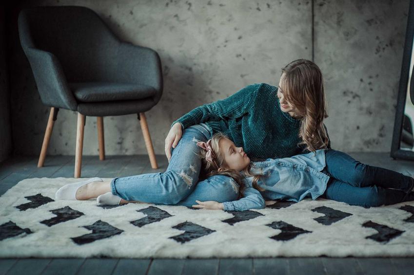 Dywany pokojowe mają bardzo duże zastosowanie. Zarówno naturalne, jak i poliamidowe mają bardzo szerokie zastosowanie i zbierają dobre opinie