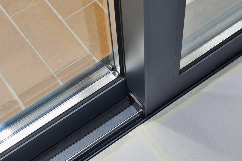 Aluminiowe okna Petecki to świetne, chociaż trochę kosztowne rozwiązanie. Zbierają dobre opinie, a oferta jest bardzo szeroka.