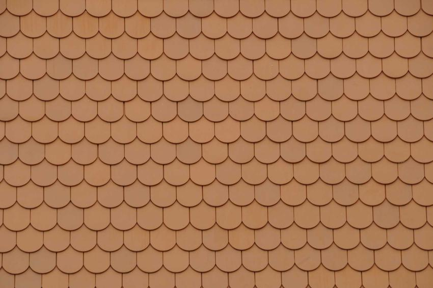 Dach pokryty karpiówką to świetnie rozwiązanie. Wspaniale się sprawdza i bardzo dobrze wygląda, zbiera też dobre opinie.