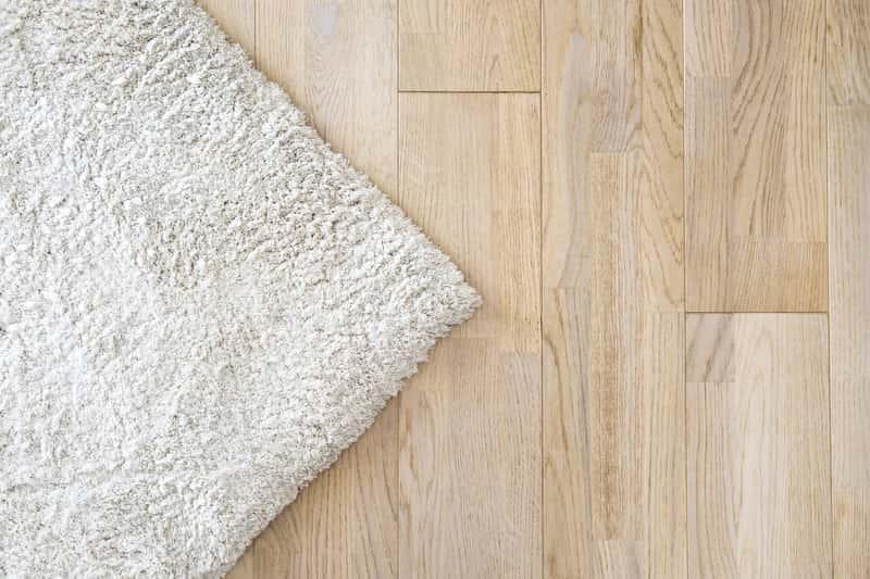 Chodniki podgumowane do przedpokoju i salonu, a także chodniki dywanowe i ich zastosowanie, ceny i rodzaje