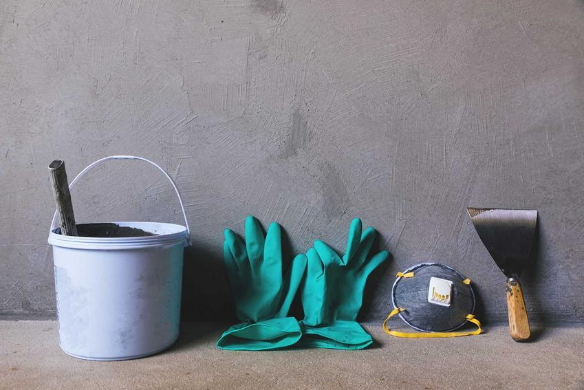 Farba chlorokauczukowa w salonie, kuchni czy przedpokoju - wszędzie dobrze się sprawdza. Zbiera świetne opinie i jest trwała.