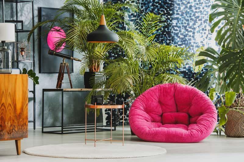 Dywan owalny w nowoczesnym pomieszeniu w stylu eklektycznym, a także najlepsze wzory dywanów w owalnym kształcie