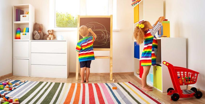 Dywany dla dzieci powinny być kolorowe i ciekawe. Najbardziej popularne wzory to oczywiście bajowe postaci czy kwiaty, ale możesz także znaleźć prostszy dywan, którego cena będzie niższa