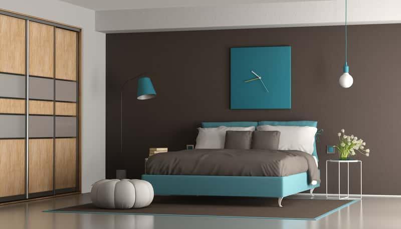 Zabudowana szafa do sypialni, a także różnego rodzaju szafy do sypialni i na korytarz, ceny oraz rodzaje i porady