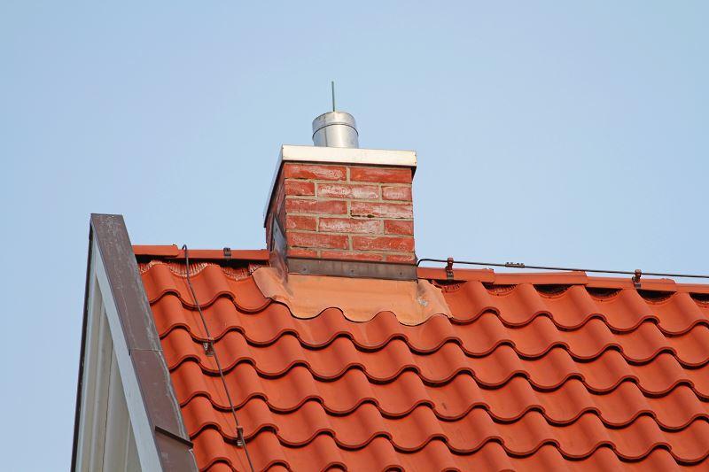 Dachówka esówka holenderska na dachu domu jednorodzinnego, a także opis, rodzaje dachówki oraz opinie i ceny