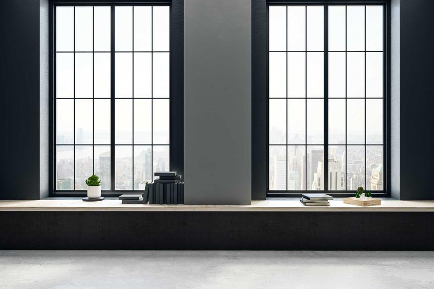 Okna w kolorze antracyt ładnie się prezentują, zwłaszcza w salonie i innych dużych pomieszczeniach. Są ładne, nowoczesne - dobrej jakości