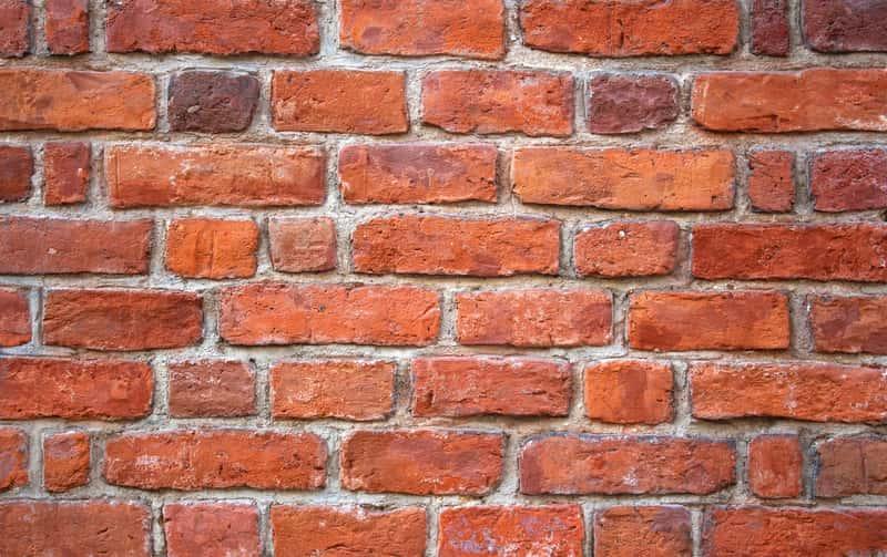 Impregnat do cegły, czyli preparaty, które poprawiają wygląd cegły, a także ich rodzaje, zastosowanie, skład, producenci, metody