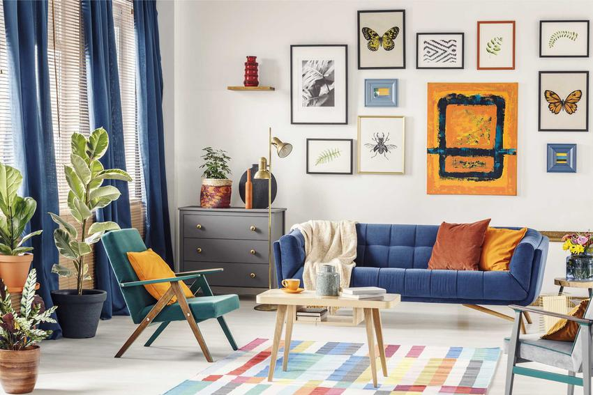 Nowoczesne, kolorowe dywany są bardzo ciekawą dekoracją każdego salonu. Ładnie się prezentują i ocieplają wnętrze, a ich ceny wcale nie muszą być wysokie.