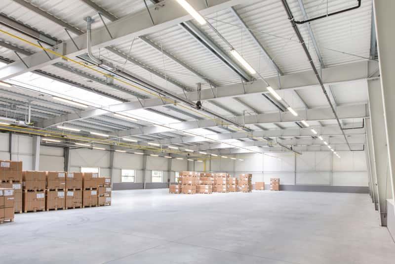 Hala stalowa dla przemysłu, a także konstrukcje hal stalowych, budowa, montaż oraz porady i koszty wzniesienia hali