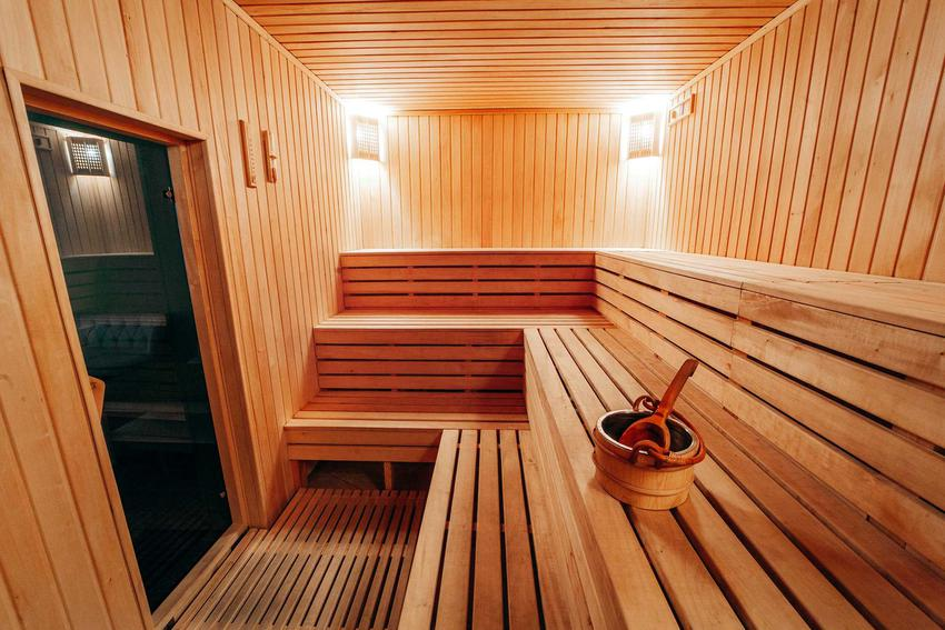 Sauna ogrodowa wspaniale się prezentuje. Na dodatek jest bardzo przydatna i funkckonalna. Budowa sauny moze być dość kosztowna.