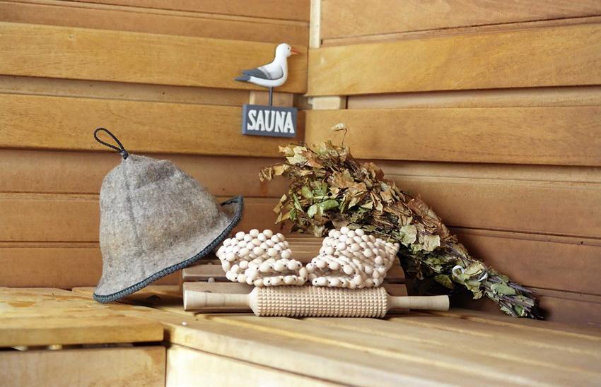 Czapka do sauny to ważne akcesorium, którego zadaniem jest ochrona włosów przed parą i wysoką temperaturą.