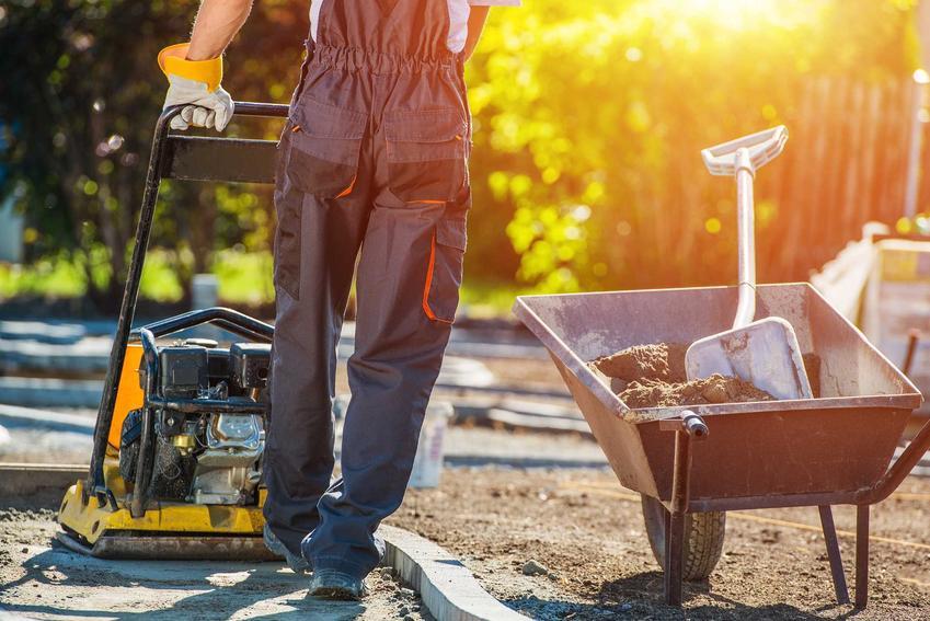 Układanie płyt ażurowych w ogrodzie, czyli płyty ażurowe na ścieżki, podjazdy i chodniki krok po kroku