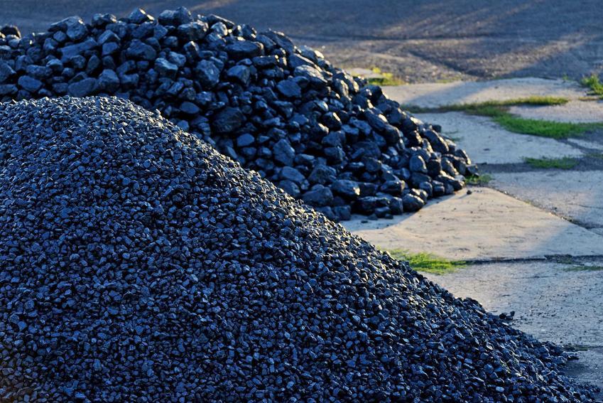 Ekogroszek Bartex i węgiel Bartex usypane u lokalnego dostawcy. Właściwości, ceny i porady, które warto znać