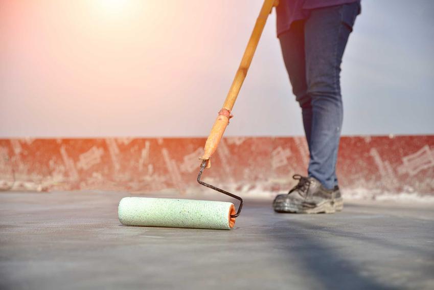 Malowanie podłogi przy pomocy farby epoksydowej. Farba epoksydowa i jej właściwości oraz zastosowanie krok po kroku