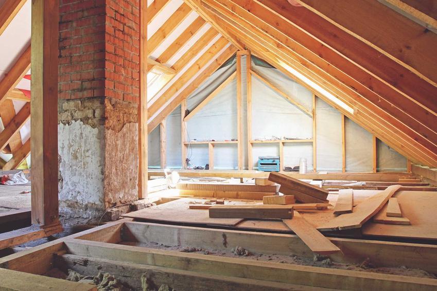 Strop Porotherm z systemów Winerberger podczas budowy domu jednorodzinnego oraz porady na jego temat, cena i zastosowanie