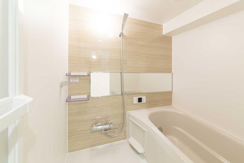 Wykańczanie łazienki pod klucz to największa inwestycja w czasie wykańczania mieszkania od dewelopera. Jest to dość wysoki koszt.