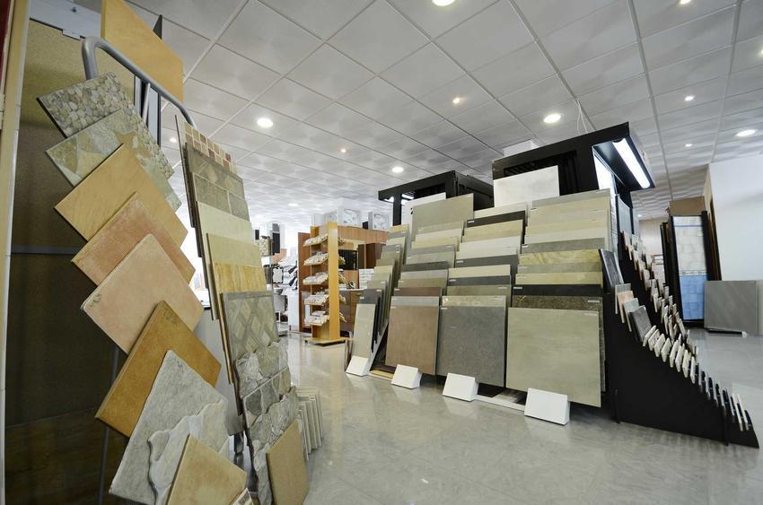 Płytki podłogowe Tubądzin zebrane w sklepie na ekspozycji oraz płytki Tubądzin wraz z cenami i opinie o płytkach różnego rodzaju