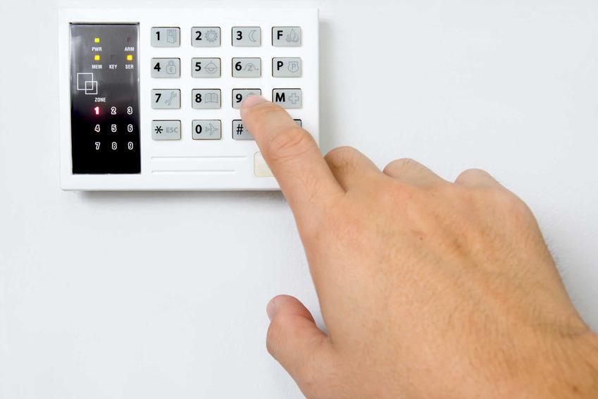 Alarm bezprzewodowy, czyli domowe alarmy bezprzewodowe i ich zastosowanie oraz wady i zalety, a także działanie alarmów