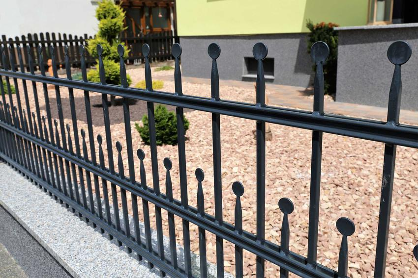 Ciekawe ogrodzenie metalowe oraz polecane wzory na ogrodzenia metalowe, czyli wzory ogrodzeń metalowych