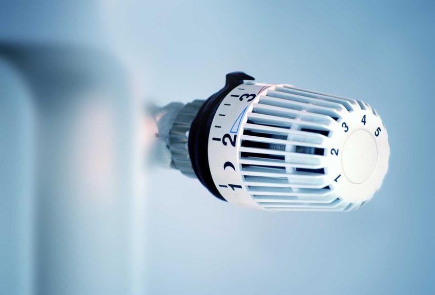Zasada działania termostatu grzejnikowego czy też pokrętła do grzejnika oraz informacje, jak działa termostat grzejnikowy