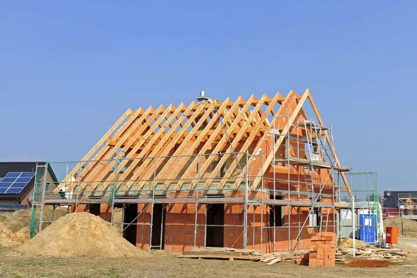W latach 2016-2019 koszty budowy domu wzrosły o prawie 25% - cena materiałów budowlanych i koszty robocizny