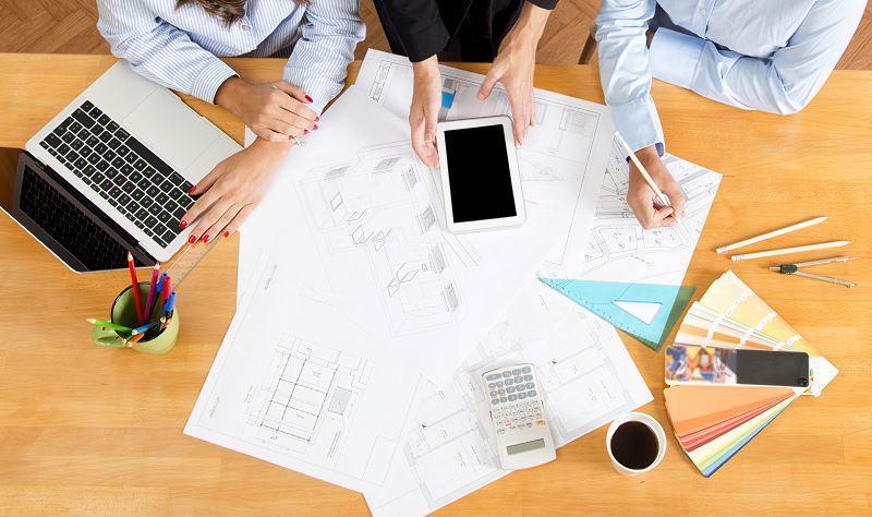 Plany i kosztorys to pierwszy krok do budowy domu. To także istotne, jeśli ubiegasz się o kredyt na budowę domu.