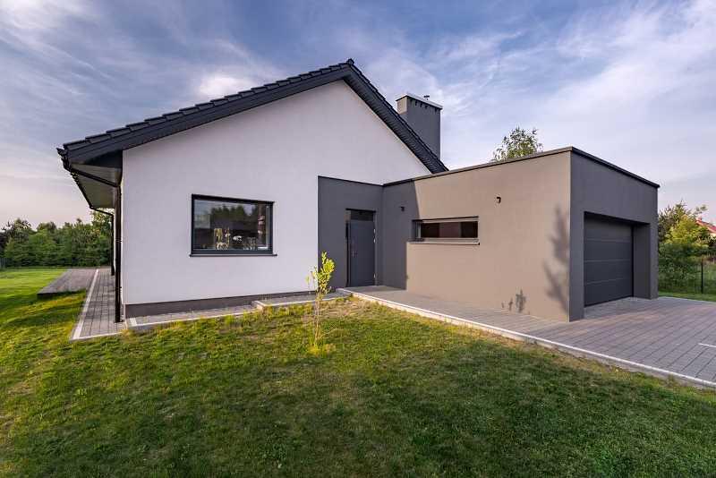 Koszt budowy domu z poddaszem użytkowym, czyli ile kosztuje budowa domu, wykończenie domu, ceny, szacunkowe wydatki
