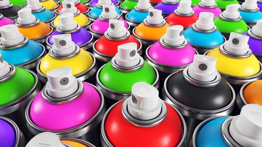 Różnokolorowe farby w sprayu do drewna lub farba w sprayu do metalu i inne jej rodzaje, zastosowanie, opinie i porady