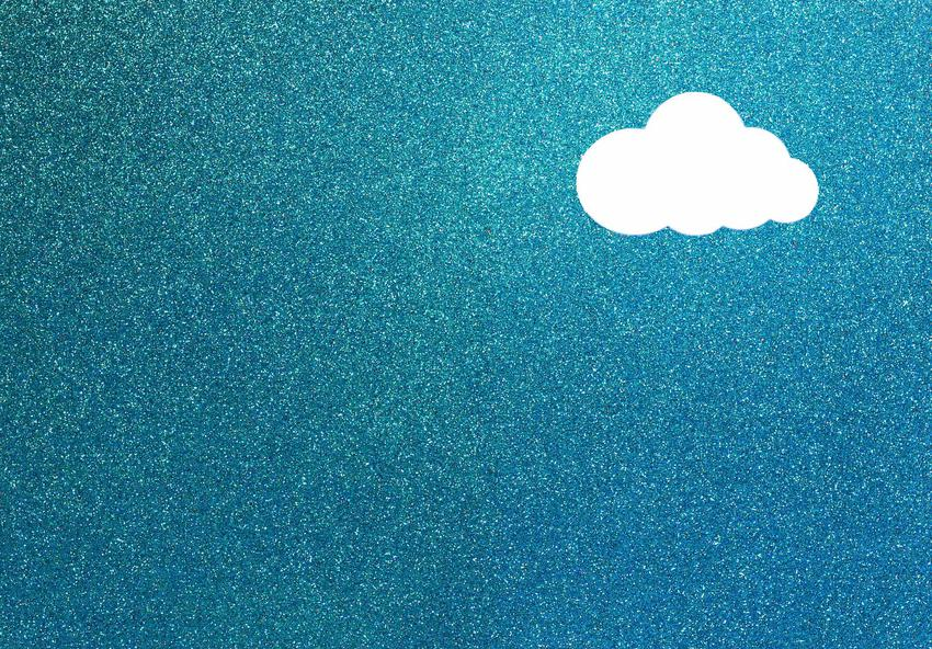 Farba z brokatem na ścianie w kolorze niebieskim oraz polecane farby dekoracyjne brokatowe do pokoju dziecięcego i salonu