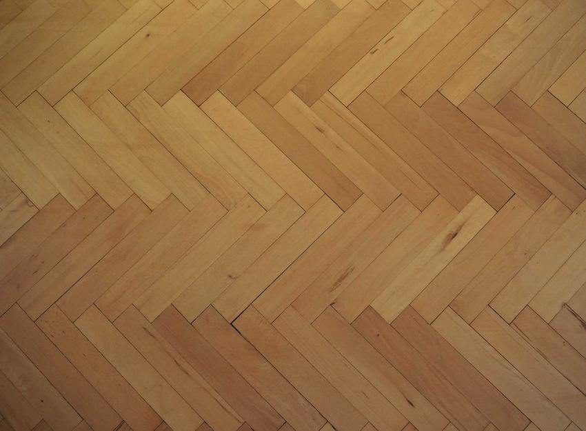 Parkiet bukowy, czyli deska podłogowa bukowa oraz ceny zakupy podłogi drewnianej, rodzaje drewna oraz koszt montażu
