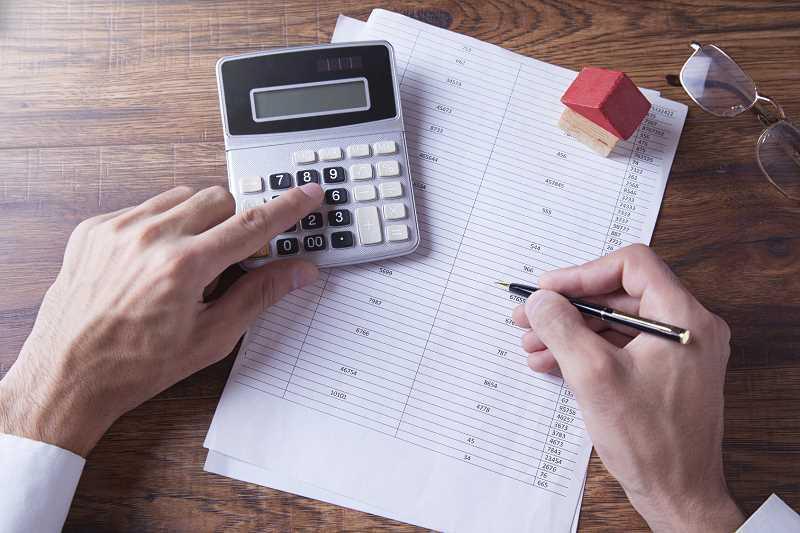 Kosztorys budowy domu przygotowywany przez inwestora, a także ile kosztuje budowa domu oraz zebranie wszystkich najważniejszych dokumentów