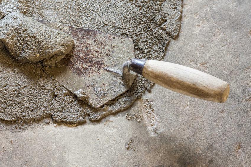 Zaprawa naprawcza do betonu, czyli beton naprawczy podczas użycia oraz polecane zaprawy - opinie, ceny