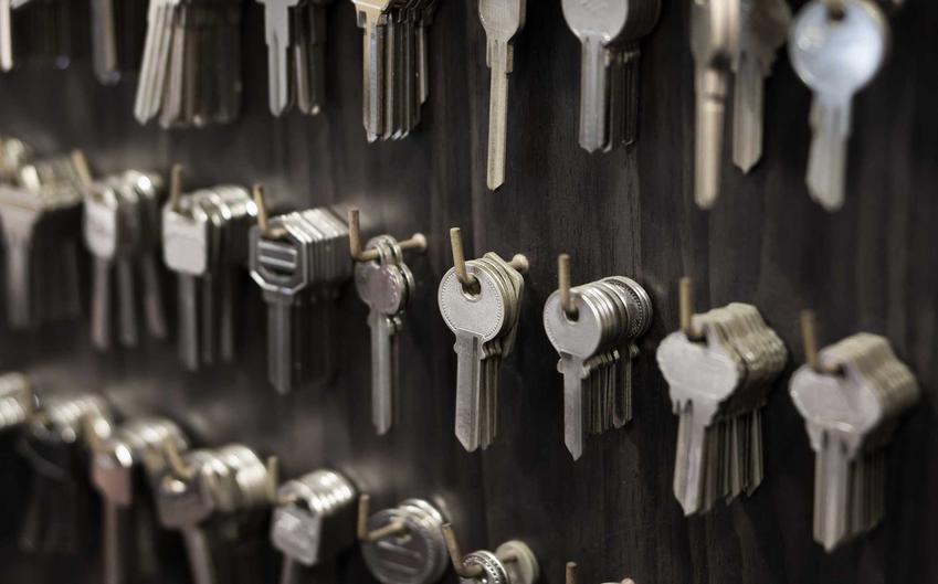 Koszty dorabiania kluczy - cena dorabiania kluczy w różnych województwach może być bardzo różna.