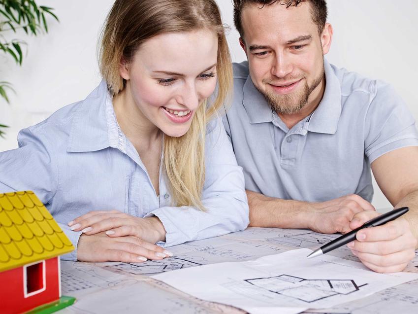 Kredyt hipoteczny można otrzymać na zakup mieszkania lub domu, a także na zakup działki budowlanej, wybudowanie, wykończenie lub remont. Potrzebny jest do tego kosztorys wykończeniowy.