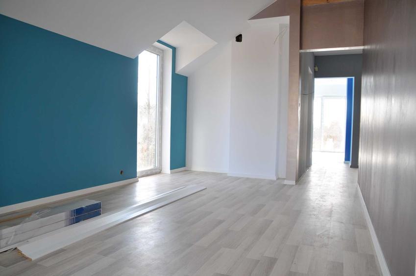 Podłoga z paneli winylowych oraz porady dotyczące montażu, zakupu ceny i wyboru modelu panieli do mieszkania