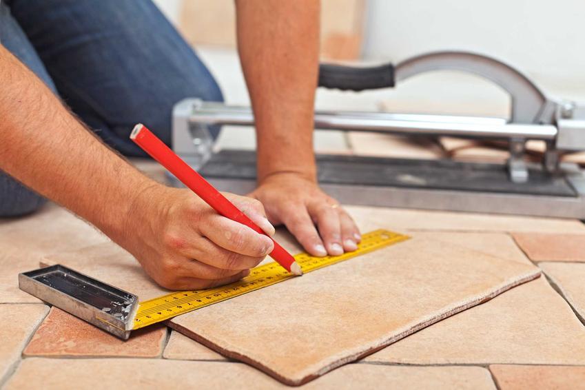 Cięcie płytek podłogowych i cięcie glazury oraz wskazówki jak docinać kafle krok po kroku, poradnik praktyczny dla samodzielnych majsterkowiczów