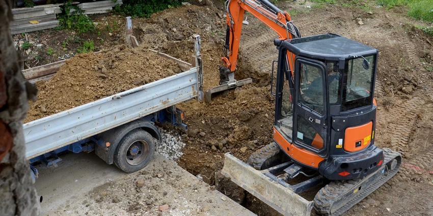 Wykopy pod fundamenty koparką, czyli kopanie fundamentów pod dom czy wykopy pod ławy fundamentowe do domu jednorodzinnego